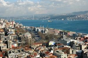 Blick vom Galata-Turm auf die Meerenge von Istanbul